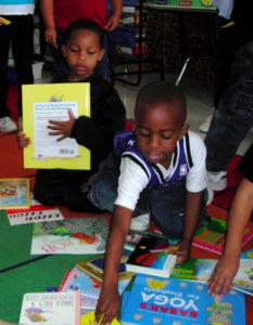 kid-picking-book